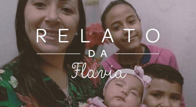 Flávia, Julia, Arthur e a recém-nascida Luiza