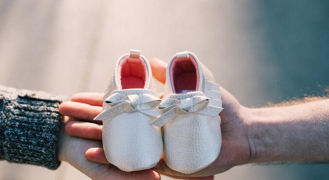 De que material seus primeiros sapatos devem ser feitos?