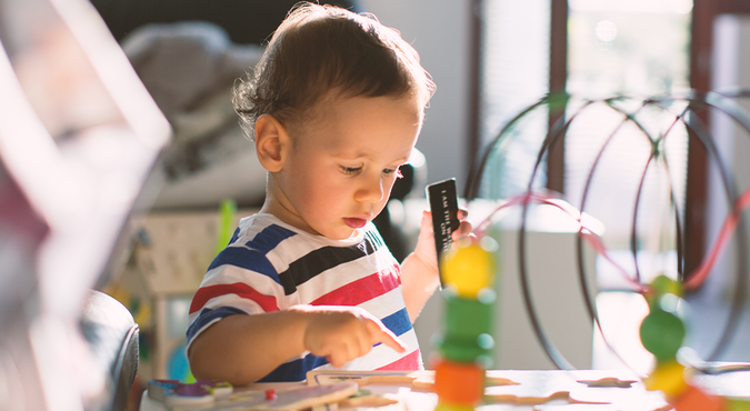 Saiba mais sobre o que é e como aplicar o método Montessori em casa
