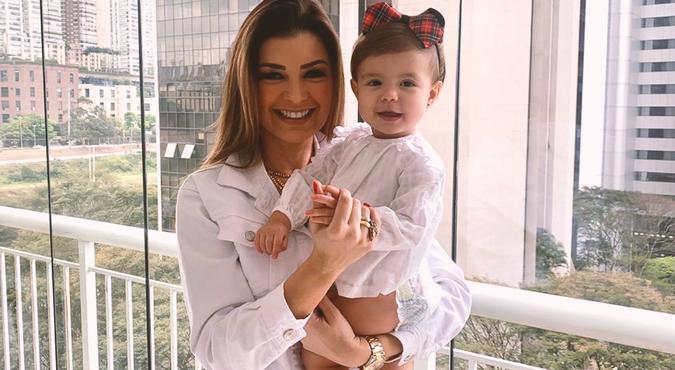 Amanda Françozo e Bebê