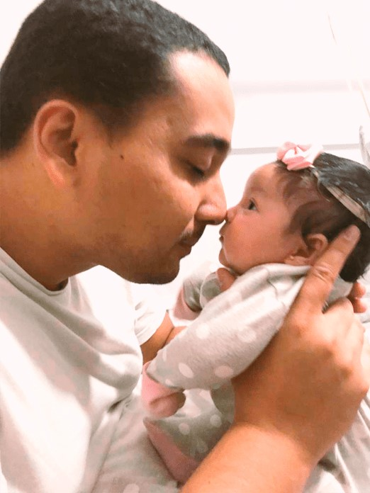 Bebê Antonella e papai